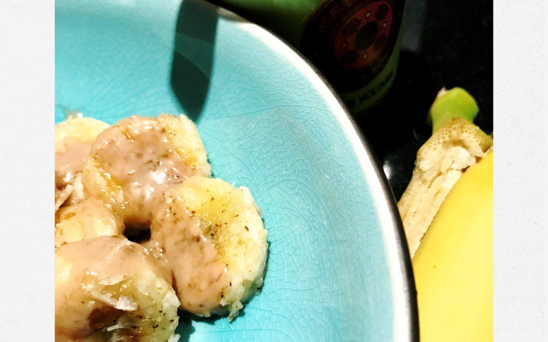 Stekt pekan & kokos banan dessert eller mellis